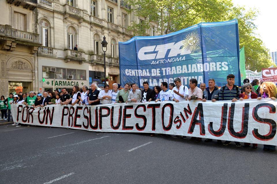 Multitudinaria movilización de la CTA en la Ciudad de Buenos Aires