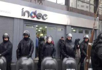 La CTA Autónoma repudia la represión en las puertas del INDEC y exige la liberación del compañero detenido