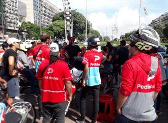 Solidaridad con los que luchan: Repartidores exigen aumento salarial y reconocimiento laboral
