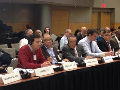 Debates en la reunión de alto nivel entre el Banco Mundial, el FMI y la CSI