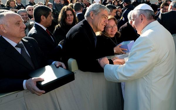 Papa Francisco y Julio Fuentes 1 (1)