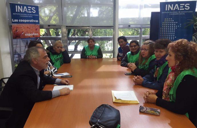 Trabajadoras del Centro Gallego se reunieron con funcionarios del INAES