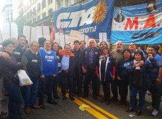 Manifestación frente al Consulado de Chile contra la represión de Piñera