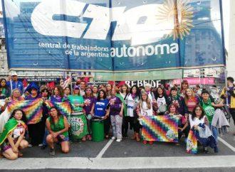 Multitudinaria movilización contra la violencia hacia las mujeres y diversidades