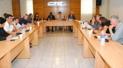 El Relator Independiente de la ONU sobre deuda y derechos humanos visitó la CTA