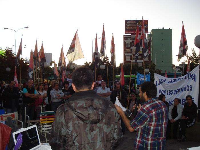 Familiares, amigos y compañeros del MTL-CTA realizaron un homenaje a Néstor Méndez