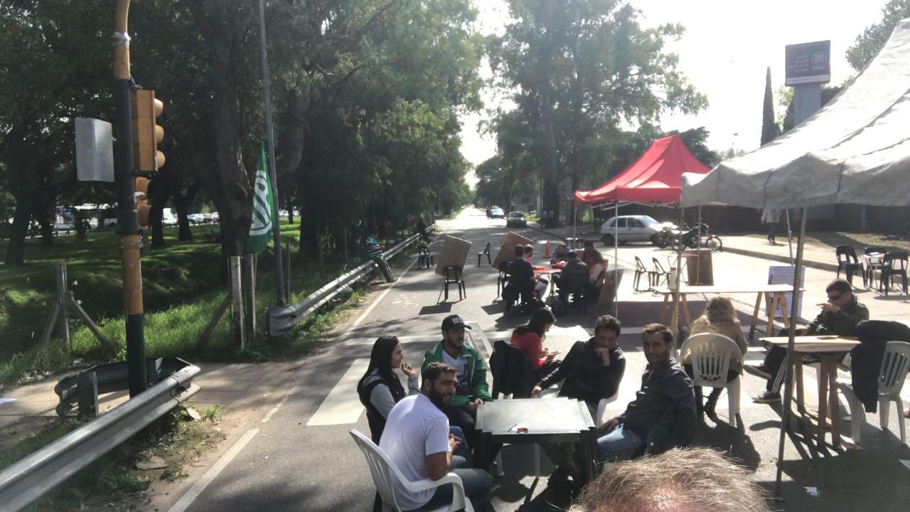 Despidos en INTI: Los trabajadores recibirán a diputados de la oposición