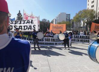 En el Día de la Sanidad, sindicatos de salud de la CTAA hicieron un acto frente al Congreso Nacional