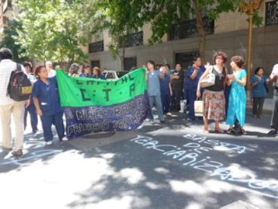 Protesta del SITMMA frente a la Cancillería